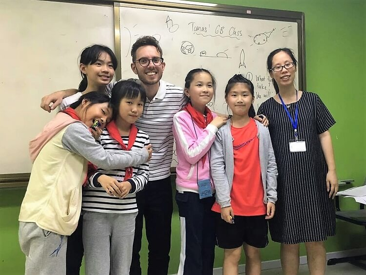 TEFL teacher with junior Chinese students