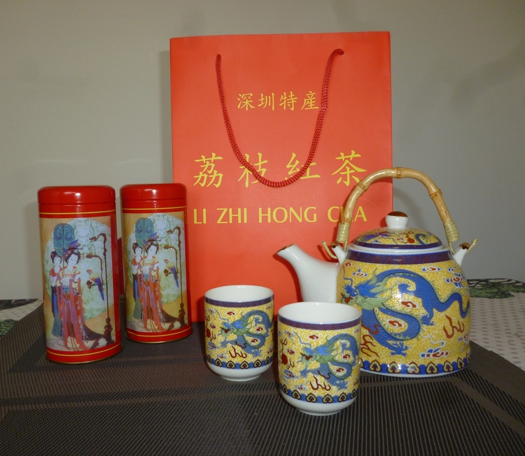 Tea is one of the most practical Chinese souvenirs.