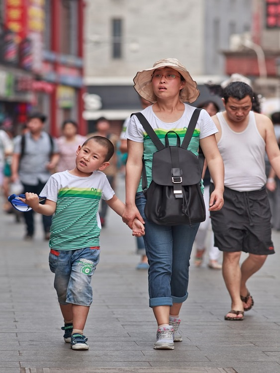You may be surprised to see people wearing matching clothing in China.