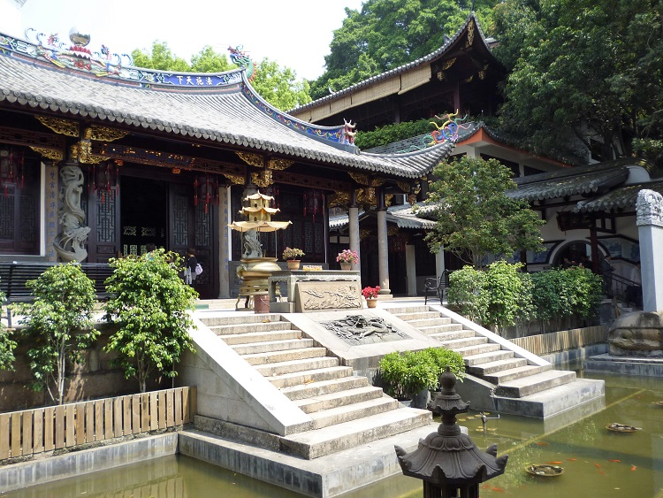 Teach English in Fuzhou and visit beautiful temples