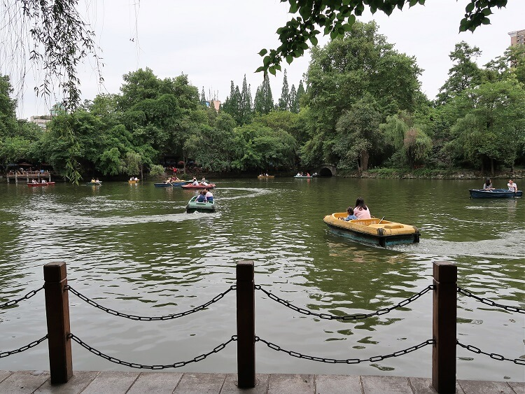 Visit the People's Park when you're in Chengdu