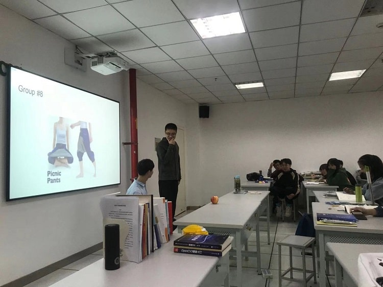 Chinese students creating their own funny TV commercials