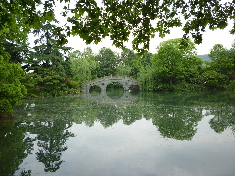 Teach in Hangzhou and see the West Lake